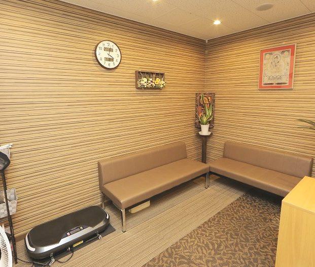 こんぽん整体 新生院の待合室画像