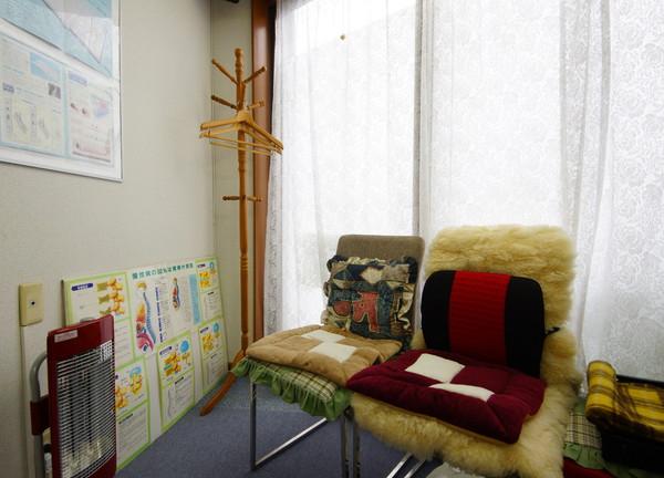 小松カイロの待合室画像