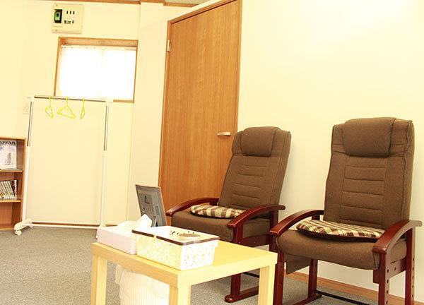 ケイはり灸治療院の待合室画像