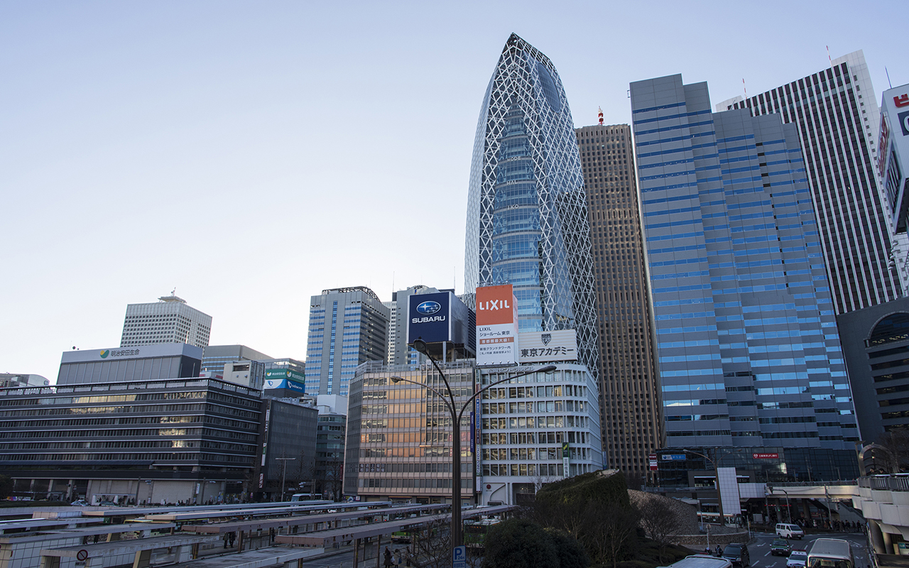 新宿駅周辺の風景