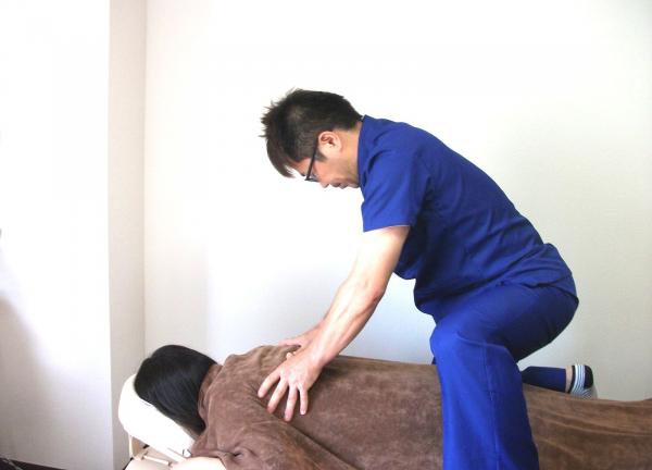 筋膜リリース 整体院 友喜〜YUUKI〜の施術風景画像