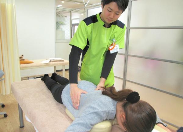 YUNA鍼灸接骨院の施術風景画像
