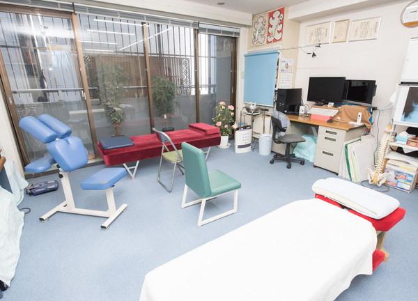 仲座カイロプラクティックの施設内風景
