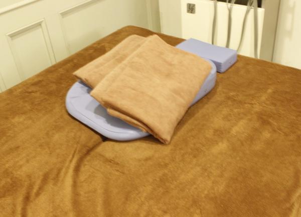 もみの木蛍池整骨院 ベッド
