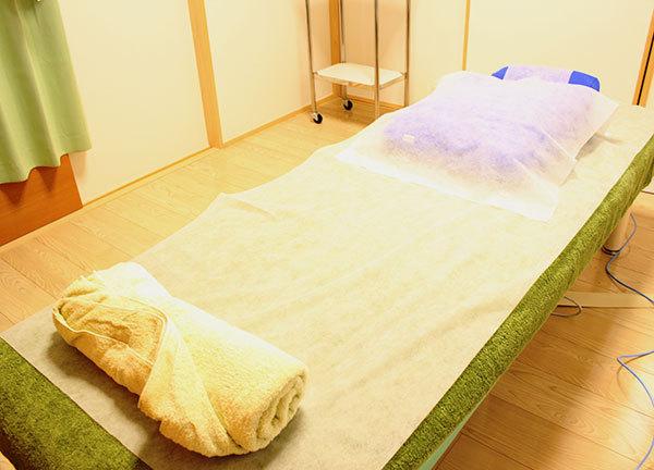 スフィア鍼灸マッサージ院 ベッド