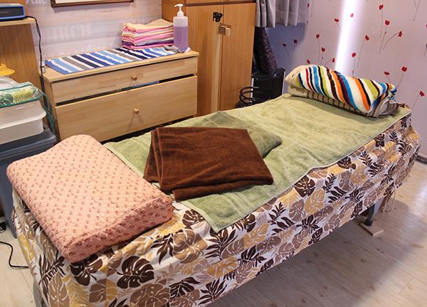 ヒロカイロプラクティックオフィス ベッド