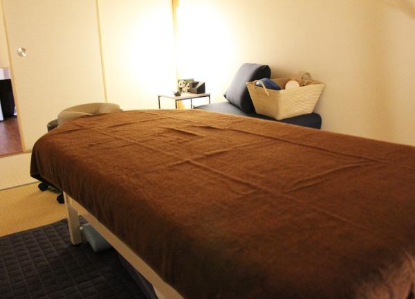 セナ整体院の施術ベッド