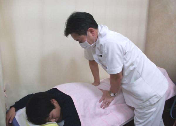 とみひさ鍼灸整骨院 施術中
