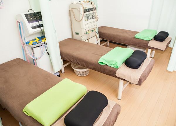 ひかる接骨鍼灸院 室内