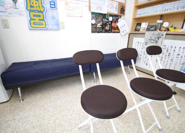 浜田接骨院の待合室画像
