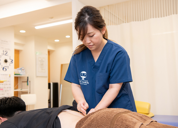 神田鍼灸整骨院の施術風景画像