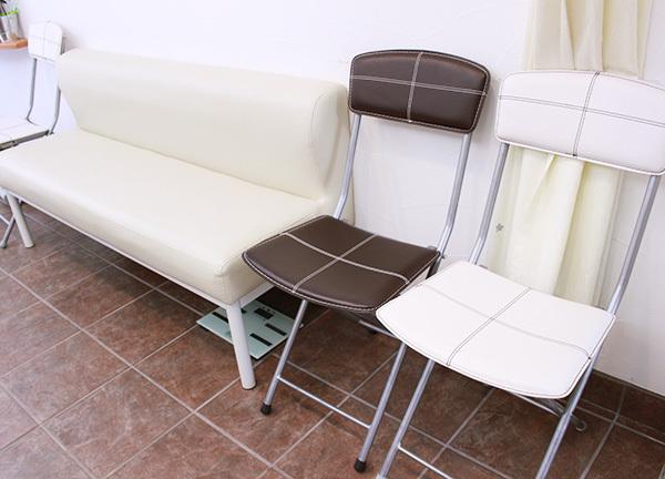 町田らくらく鍼灸整骨院の待合室画像