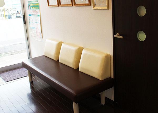 つぐみ鍼灸整骨院の待合室画像