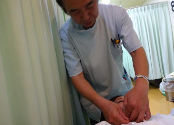葵鍼灸接骨治療院の施術風景画像