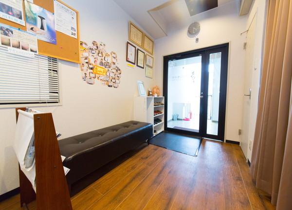 きずな鍼灸整体院の待合室画像
