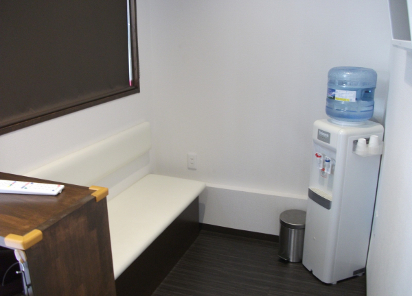 上本町鍼灸整骨院の待合室画像