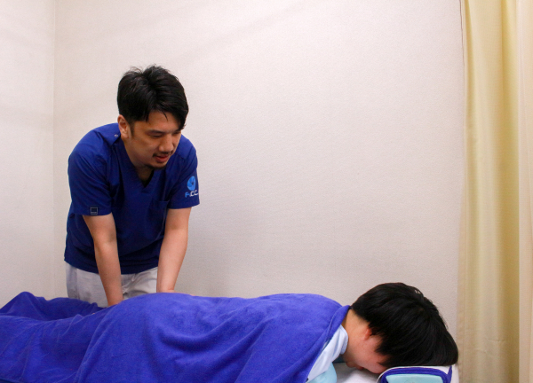 F.C.C.築地鍼灸整骨院の施術風景画像