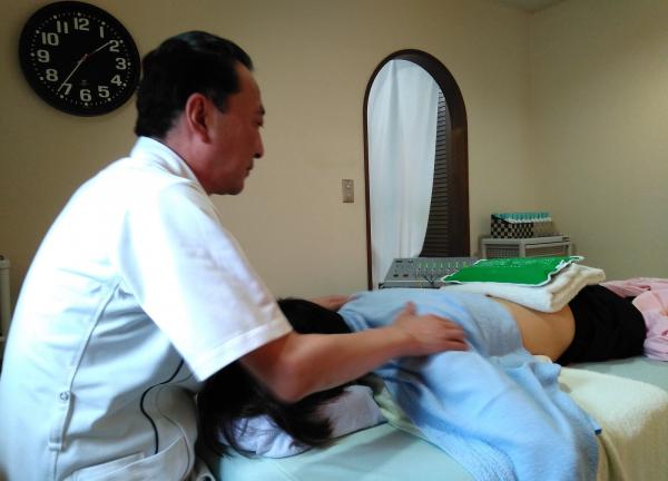 元気鍼灸マッサージ治療院の施術風景画像