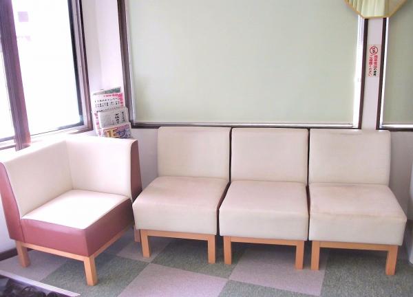 リカバリー整骨院 二日市院の待合室画像