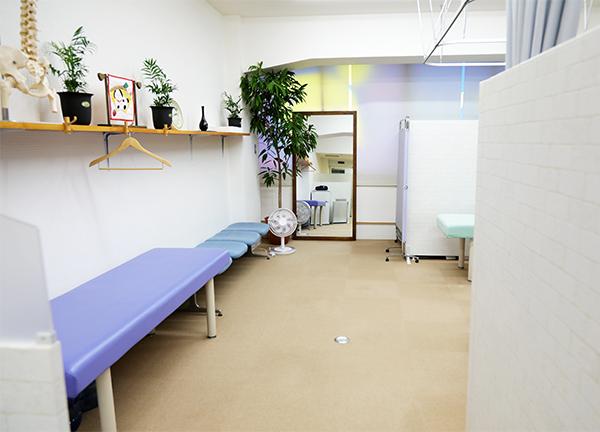 Wellbalance かなたに整骨院の待合室画像
