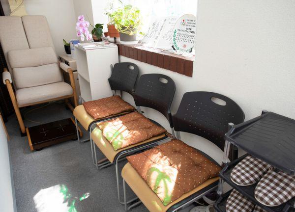 ゆい整骨院高田馬場店の待合室画像
