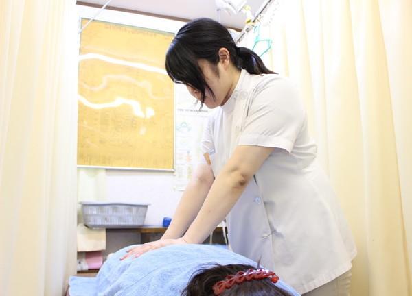 藤本鍼灸整骨院の施術風景画像