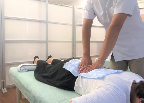 町田まつもと治療院の施術風景画像