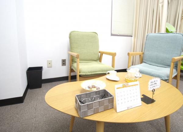 仁成堂鍼灸治療専門院の待合室画像