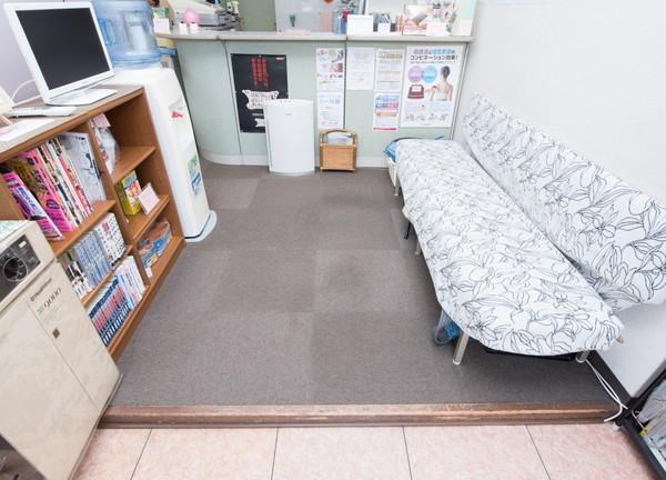 山口鍼灸整骨院の待合室画像