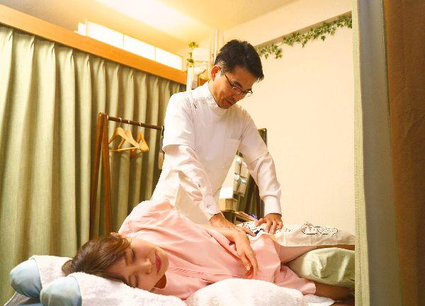 吉宗指圧治療院の施術風景画像