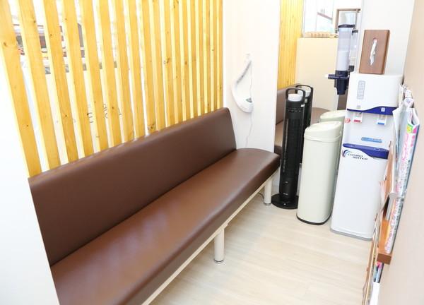 よしだ鍼灸整骨院の待合室画像