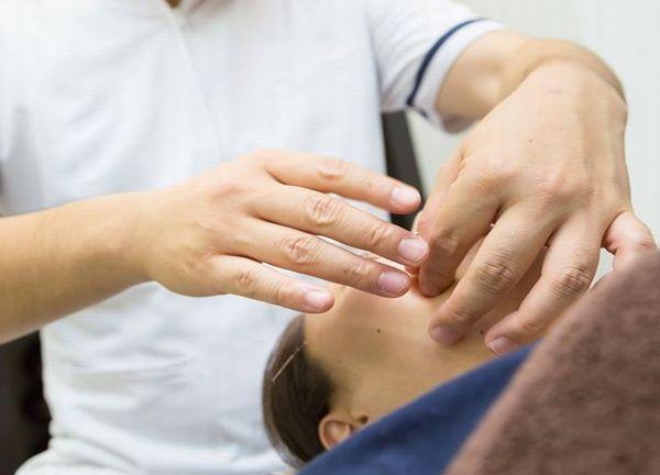 ゆずりは鍼灸整骨院の施術風景画像