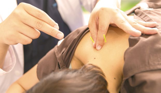 ハリフネ原宿しんふね鍼灸治療院の施術風景画像