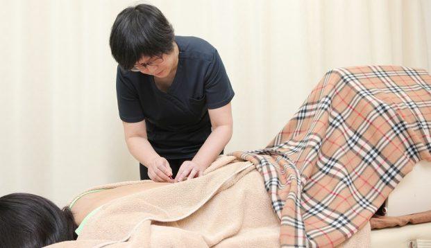 鍼灸治療院ゆうらの施術風景画像