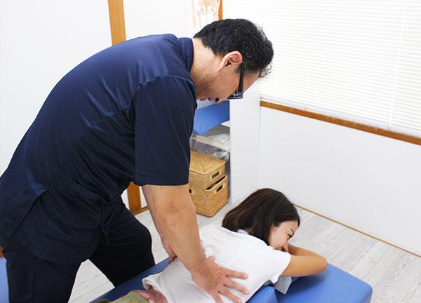 こおし小幡緑地治療院の施術風景画像