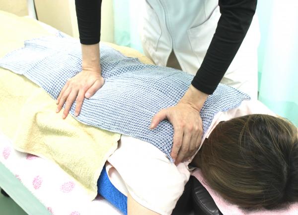 イスクラ鍼灸指圧接骨院の施術風景画像