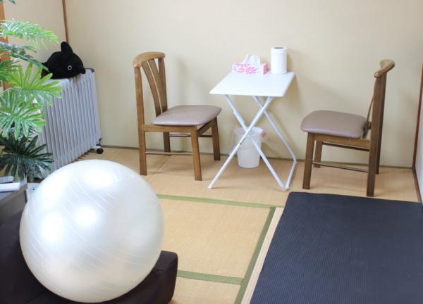 てくてく治療院の内観画像の待合室画像