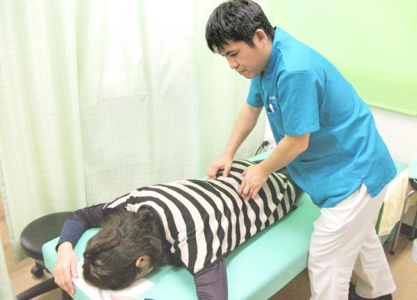 なかしま鍼灸整骨院の施術風景画像