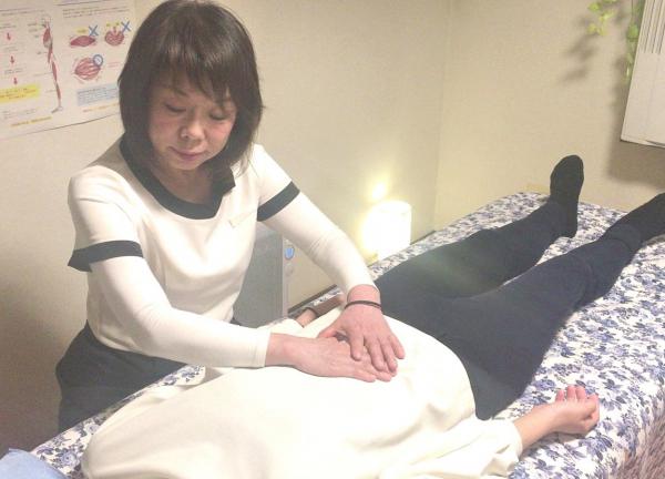 小顔矯正追究所全身バランス整体 ~shion~の施術風景画像