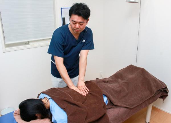 鍼灸メディカルボディケア そらいろの施術風景画像