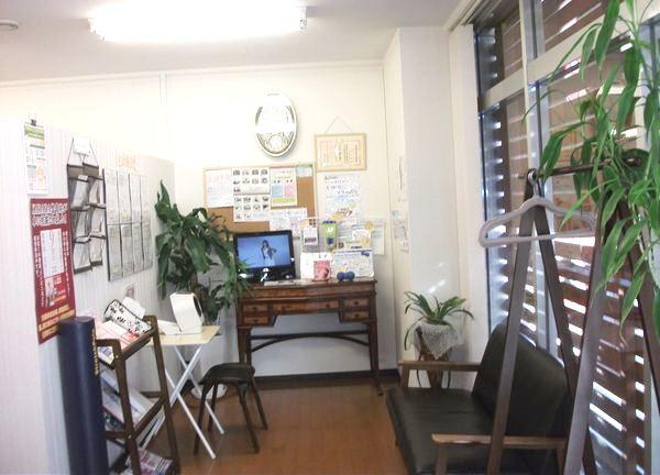 KARADA整骨院の待合室画像
