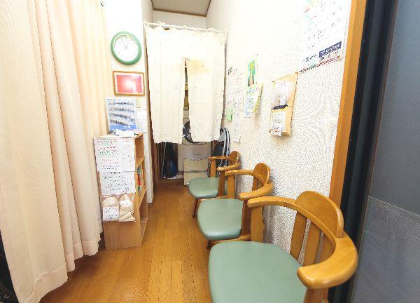 アトラス治療院うらわ養生室の待合室画像