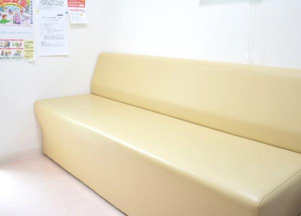 八坂北接骨院・はりきゅう院の待合室画像