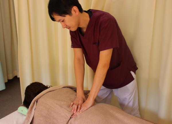 広尾こころ鍼灸整骨院の施術風景画像