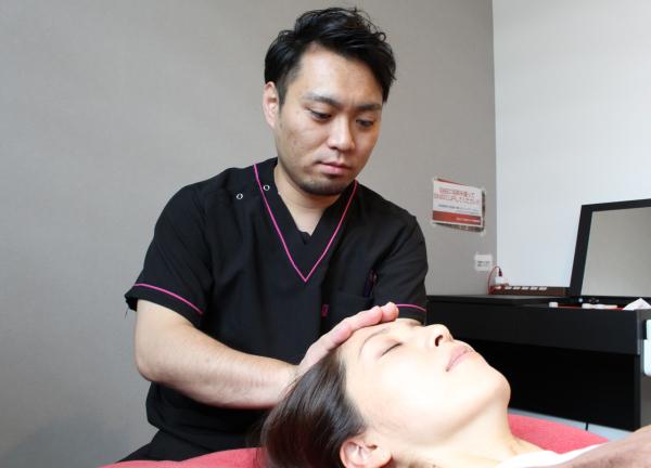 Beauty&Healthやなだ鍼灸院の施術風景画像