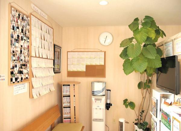 ゆたかな森治療院の待合室画像