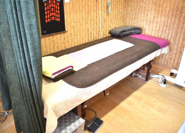 鍼灸治療院ライフの施術風景画像